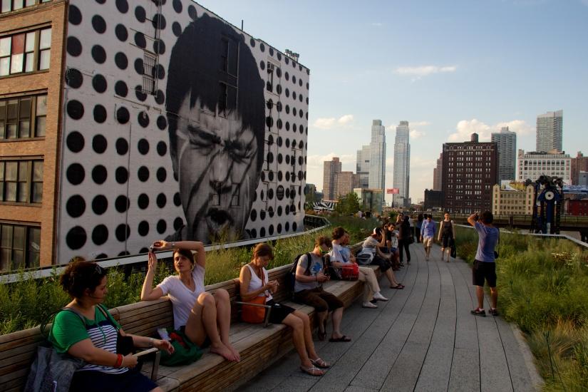High_Line,_New_York_2012_07.jpg